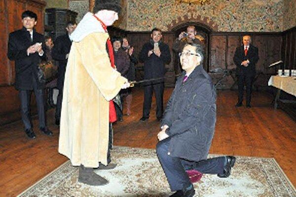 Na Oravskom hrade sa z veľvyslanca stal rytier.