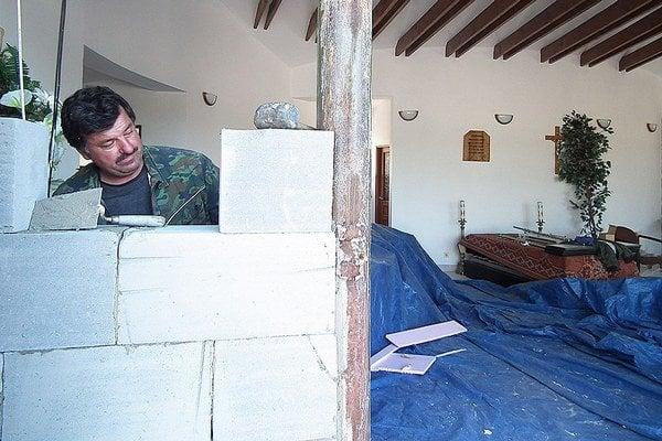 Stavebné práce v dome nádeje.