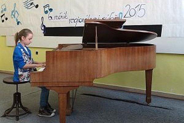 Škola si musí prenajímať priestory aj na organizovanie čoraz obľúbenejšej súťaže Biela Orava.
