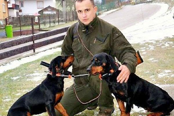 Starosta Miroslav Jurák so svojimi miláčikmi.