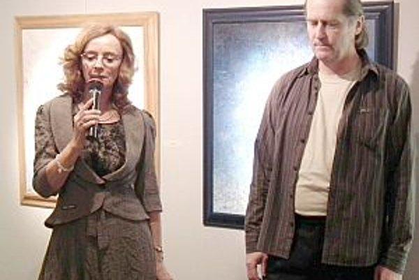 Juraj Oravec vystavuje svoje diela v MG Art galérii. Kurátorkou výstavy bola Danica Lovíšková z Trenčína.