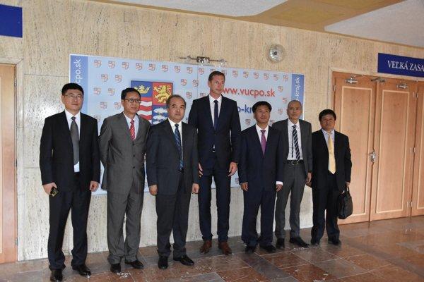 Hostia z Ázie rokovali s prešovským županom.