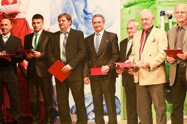 Zľava Vladimír Matejka, Peter Ziemba, Jozef Čapkovič, Pavel Malovič, Ján Hudák, Justín Javorek a Stanislav Jarábek.
