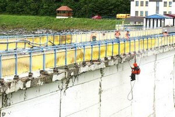 Práce na múre by mali byť ukončené budúcu jar.
