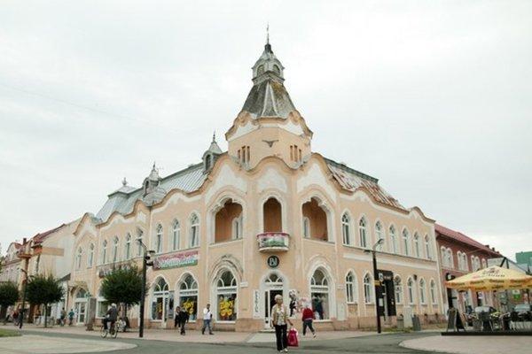 Groszov palác vsúčasnosti.