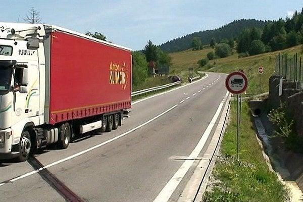 Testovacia jazda kamiónu novou spojnicou Orava - Kysuce.