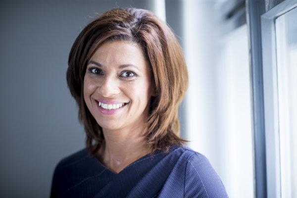 Caroline Líšková (47) je kandidátka KDH na primátorku Bratislavy.vyštudovala Ekonomickú Univerzitu, o pár rokov postgraduálne štúdium na Fakulte manažmentu v Bratislave so zameraním na ekonomickú efektívnosť návratnosti investícií. Pracovala na viacerých manažérskych pozíciách. V roku 2007 založila poradenskú spoločnosť poskytujúcu služby pre malých, či stredných podnikateľov a fyzické osoby, neskôr založila vzdelávaciu agentúru. Je vydatá. Má dve dcéry.
