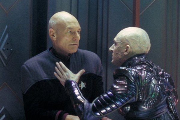 Patrick Stewart v nepodarenom filme Star Trek: Nemesis.