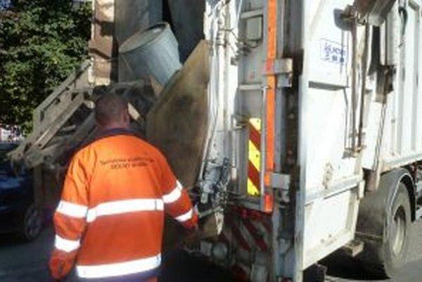 O komunálny odpad v Dolnom Kubíne sa starajú Technické služby. Mesto za tieto služby zaplatí 624-tisíc eur ročne.