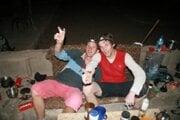 Do kempu dorazili po vylezení na Rock Empire o pol tretej ráno. Ďuri Švingál spolu s Kubom Kováčikom (vpravo).