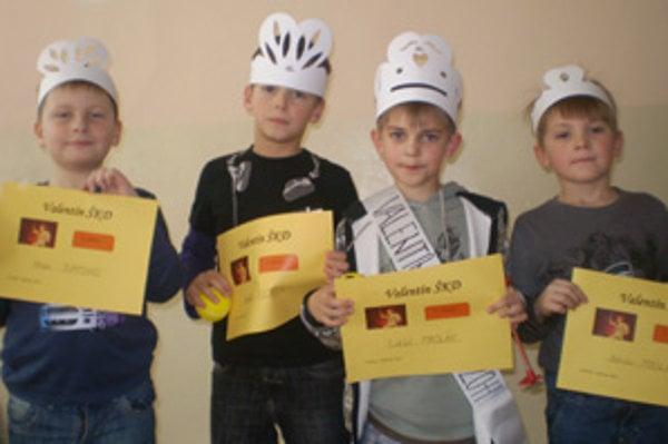 Netradičnú súťaž budú chlapcom pripomínať valentínske diplomy.
