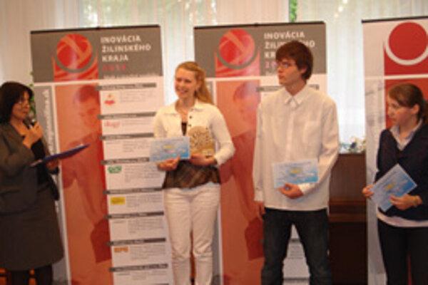 Víťazka Katarína (druhá zľava) porazila 53 súperov.