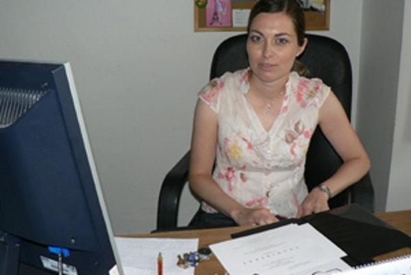 Nová konateľka Infoštúdia. Na Facebooku sa o Martine Brnčalovej dá okrem iného dozvedieť, že k jej obľúbenej literatúre patrí kniha Živá reklama od Jozefa Kaščáka.