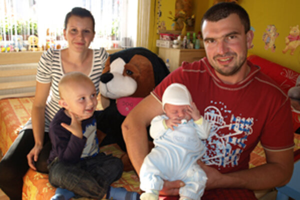 Mama Erika, Kristián, otec Vladimír a malý Marko.