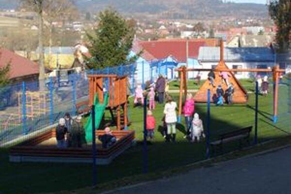 Nové detské ihrisko v Oravskom Veselom.