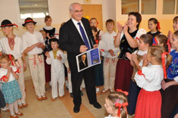 DFS Zuberček zo Zuberca sa teší z hlavnej ceny.