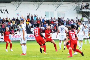 Vedúci gól Serede strelil stopér Djiby Ba.