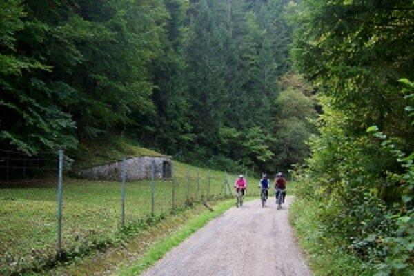 Cyklisti si vždy môžu nájsť trasy, ktoré ich upútajú aj okolitou prírodou.