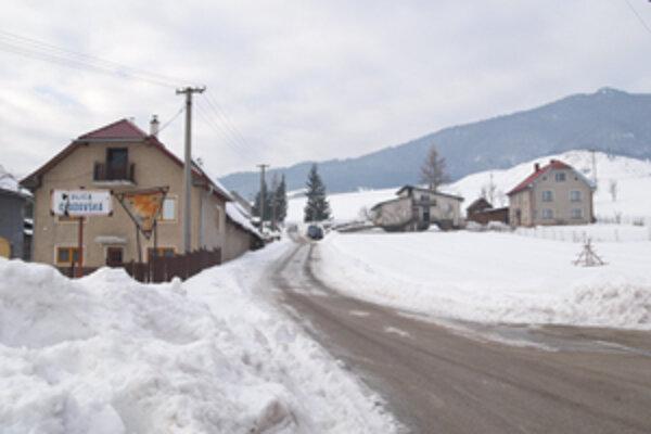 Chudovská ulica takisto vznikla na rali - Chudovskej.