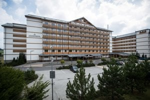 Spojené horské projekty sú bežné, pretože hotel môže prenajímať súkromné apartmány v čase, keď ich nevyužíva majiteľ a tak si na seba dokážu zarobiť.