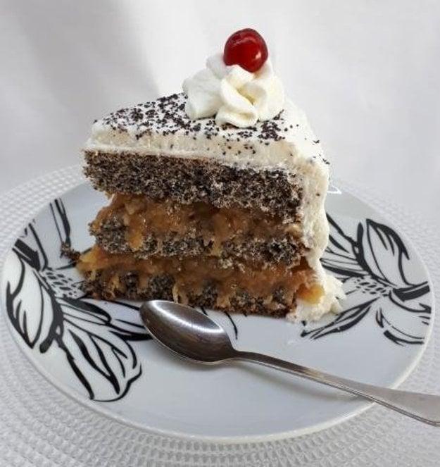 Maková torta s jablkovým pudingom