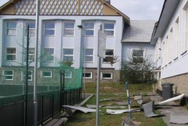 Škola v Oravskom Veselom sa po modernizácii exteriéru zmení na modernejšiu aj v procese vyučovania.