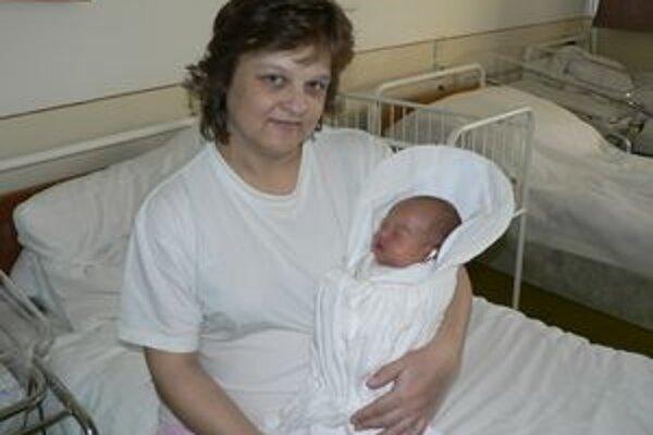 Zlatica z Dolného Kubína priviedla na svet prvé oravské dieťa tohto roku. Patrik vážil 3,300 kg a meral 48 cm.