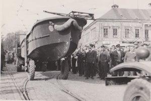 Sovieti si priviezli aj člny. Pre istotu.