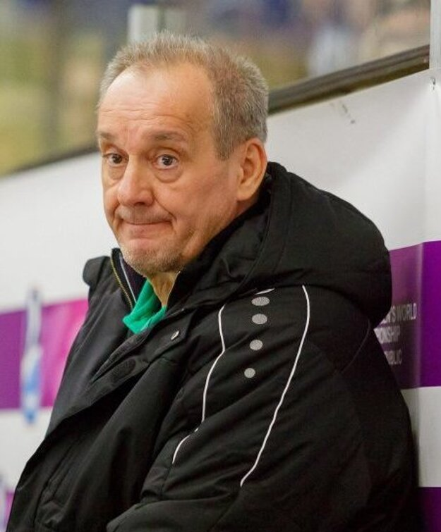 Tréner MHC Nové Zámky Milan Jančuška