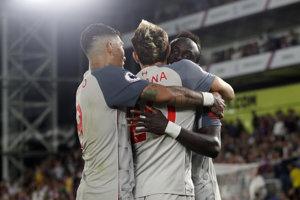 Liverpool oslavuje triumf v zápase s Crystal Palace.