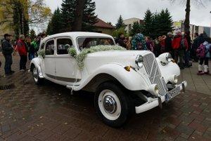 Svadobné vozidlo Citroën budúcich manželov Saganovcov.