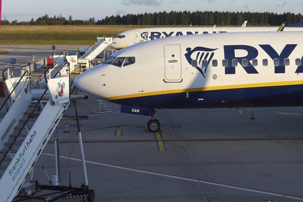 Lietadlá spoločnosti Ryanair.