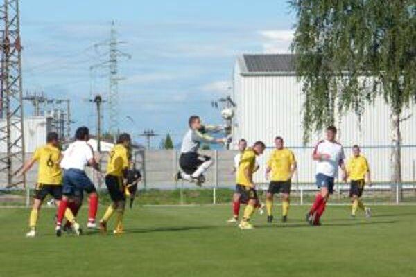 V súboji Ilavy a Kočoviec nebola núdza o góly a zaujímavé momenty.