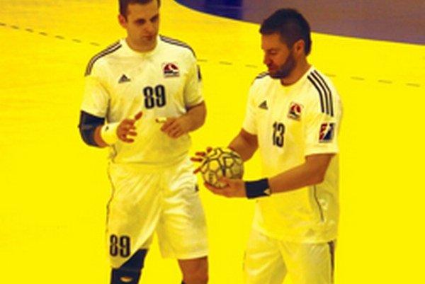 V zápase s Prešovom strelil Lukáš Klačanský (vpravo) deväť gólov, Ivan Kucharik (vľavo) pridal päť presných zásahov.