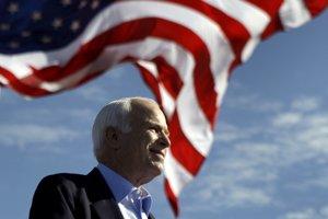 McCain, ktorému v júli 2017 diagnostikovali rakovinu mozgu, zomrel vo veku 81 rokov.