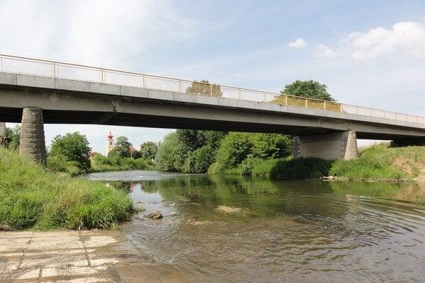 To, že by sa hladina rieky mala zdvihnúť oniekoľko metrov, si mnohí nevedia predstaviť.