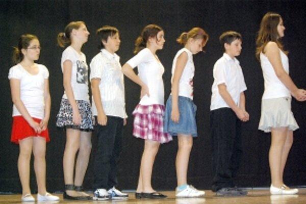 Súbor Timea ponúkol divákom Zhŕňajovu nevestu.