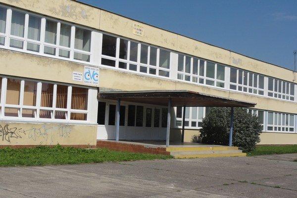 CVČ sídli vpriestoroch ZŠ Gagarinova. Mesto dúfalo, že sa situácia po výmene ministrov zlepší. Nestalo sa tak.