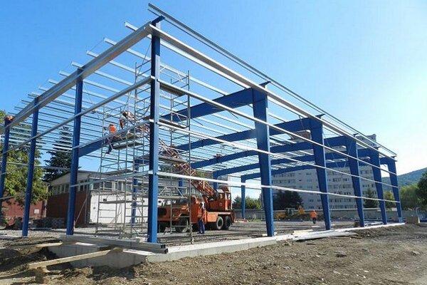 Výstavba multifunkčného športového areálu pri ZŠ R. Kaufmana.