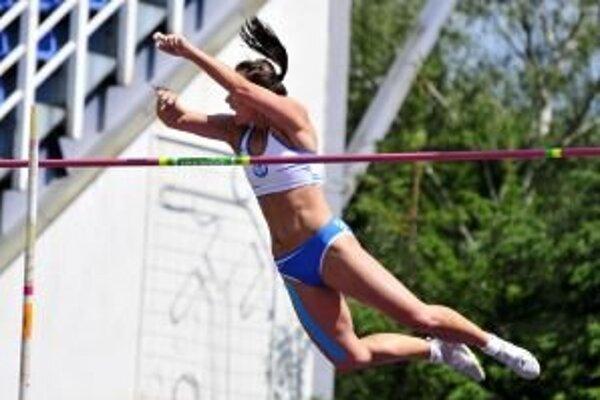 Slavomíra Sľúková vyrovnala slovenský rekord v žrdi.