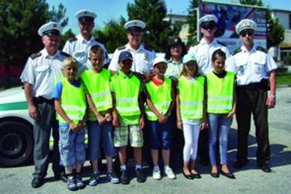 Dopravnej akcie sa zúčastnili policajti aj deti.