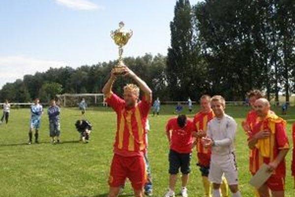 Krtovce neohrozene vyhrali súťaž MO Topoľčany, teraz sa predstavia v piatej lige.