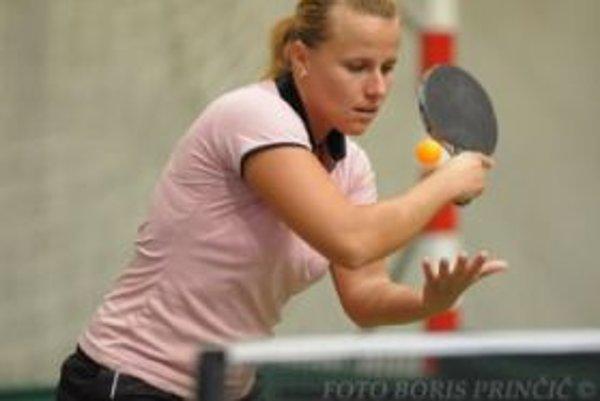Alena Kúdelová - najskúsenejšia hráčkaklubu. V Topoľčanoch sa podieľala na ziskutrinástich titulov majstra Slovenska.