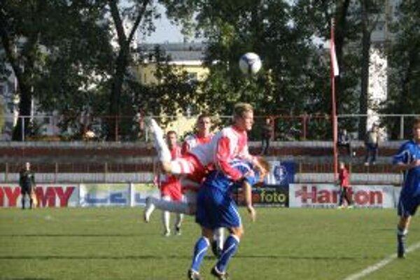 Topoľčianski futbalisti doma vyhrali 1:0.