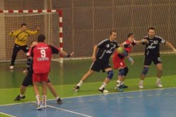 Topoľčany prehrali vonku o šesť gólov.
