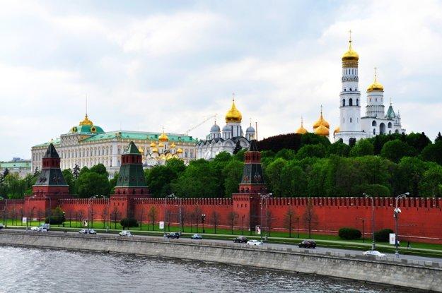 Moskva je pulzujúce mesto a k tomu patrí aj dopravný chaos