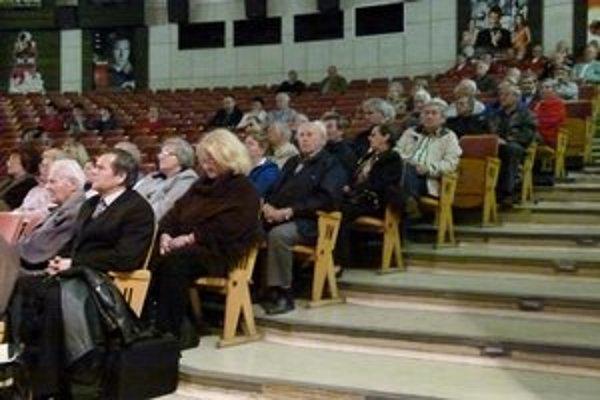 Primátor Jozef Božik informoval o situácii v meste na stretnutí s občanmi.