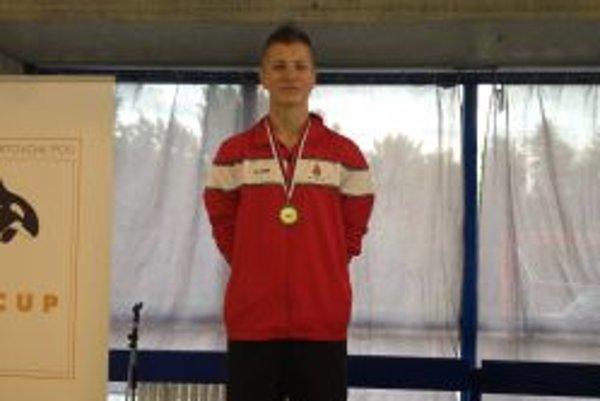 Miroslav Aschengeschvantner - na 200 metrov polohový pretek zaplával B-limit na Majstovstvá Európy juniorov v Belgicku.