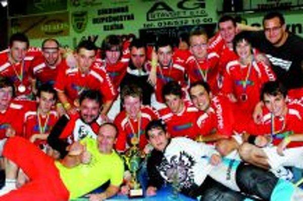 Muži Topoľčian obsadili na turnaji konečné druhé miesto.