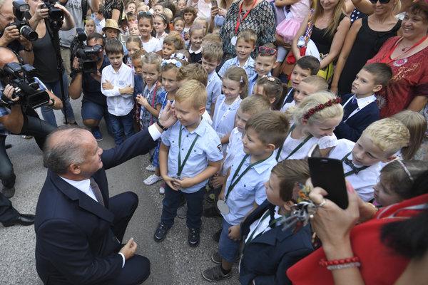 Prezident Kiska sa zúčastnil otvorenia školského roka na Základnej škole Staničná v Košiciach.